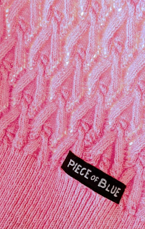 Pink kortærmet Pullover Strikket i ren Bomuld til Kvinder fra Piece of Blue. Close up 1.