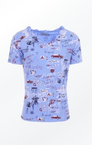 Håndprintet Blå T-shirt med Glad Mønster til Piger fra Piece of Blue