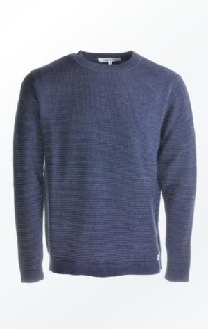 Velklædt Basic Strikket Pullover i Mørk Indigo Blå til Mænd fra Piece of Blue