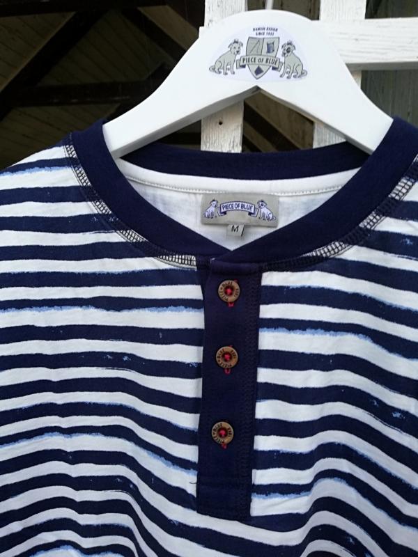 Langærmet Blå- og Hvidstribet T-Shirt til Mænd tæt på 2 fra Piece of Blue